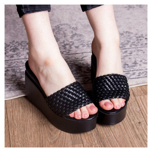 Шлепанцы женские Fashion Idjie 2756 38 размер Черный
